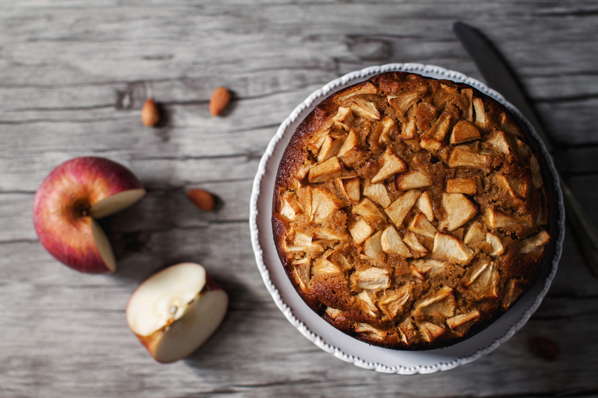 Delicious apple cake with almond and honey.