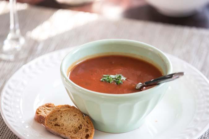 chunky tomato and leek soup