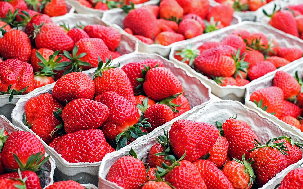 strawberries-1350482_1280