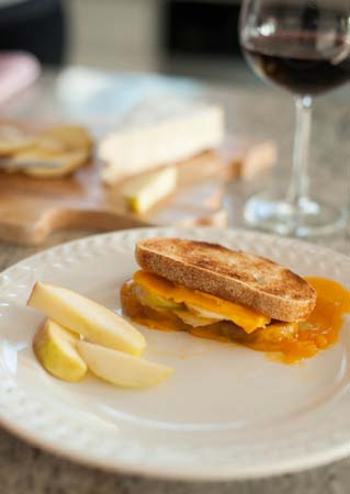 grilled cheddar and apple