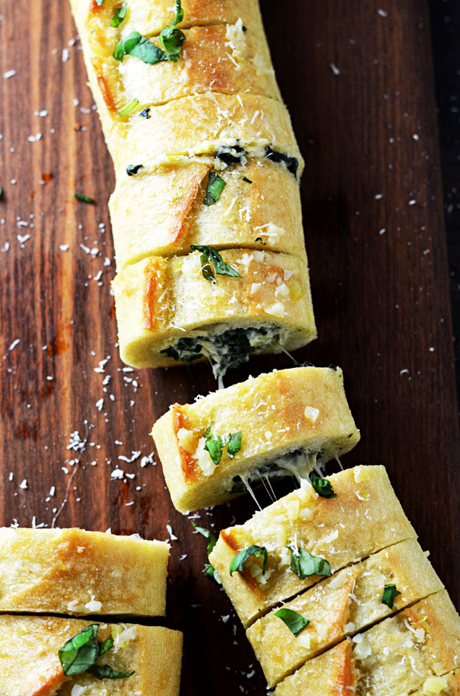 spinach-and-artichoke-dip-stuffed-garlic-bread20