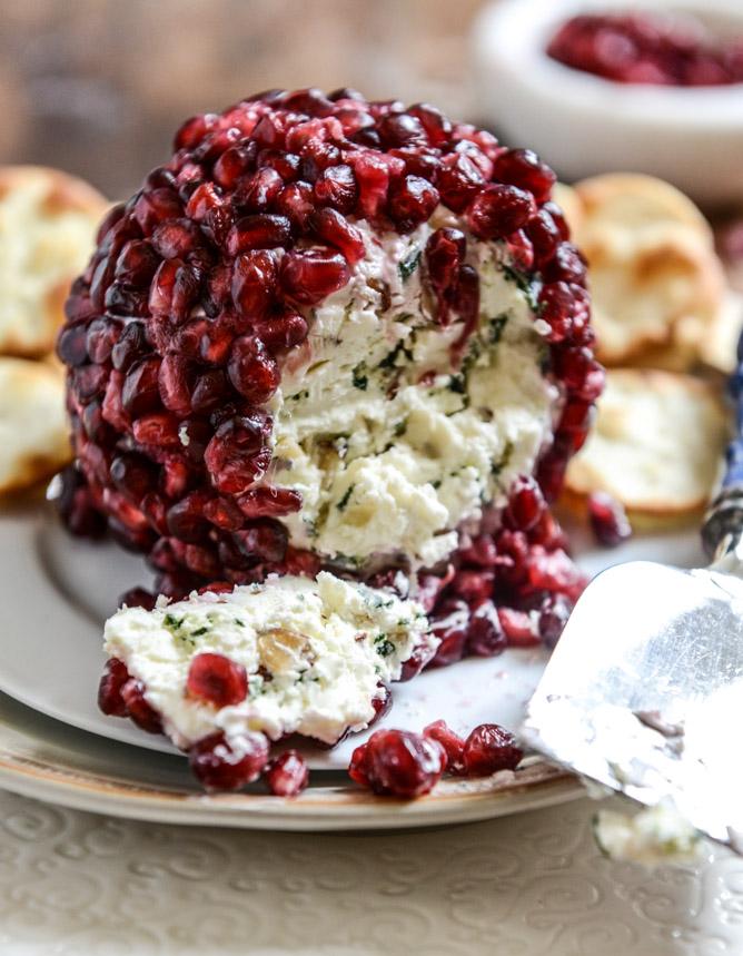 pomegranate-cheeseball-i-howsweeteats-com-3