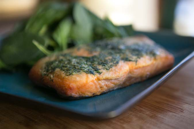 baked salmon with garlic and dill